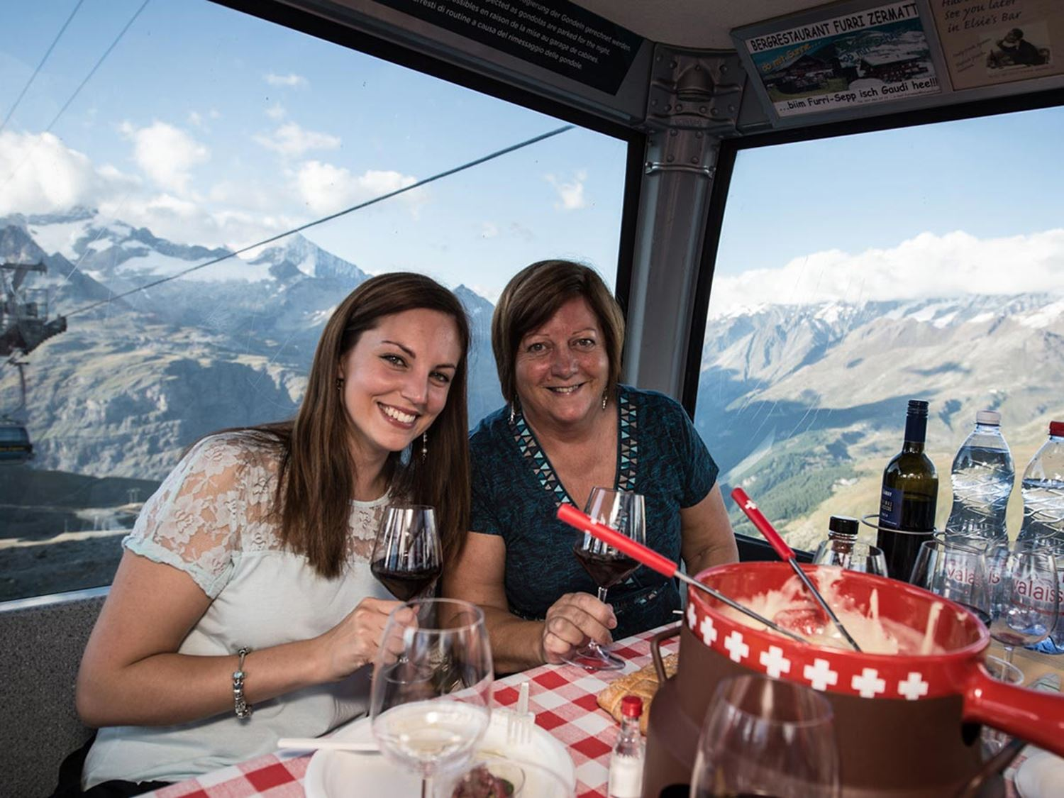 Taste-of-Zermatt_Events_Fondue_03.jpg